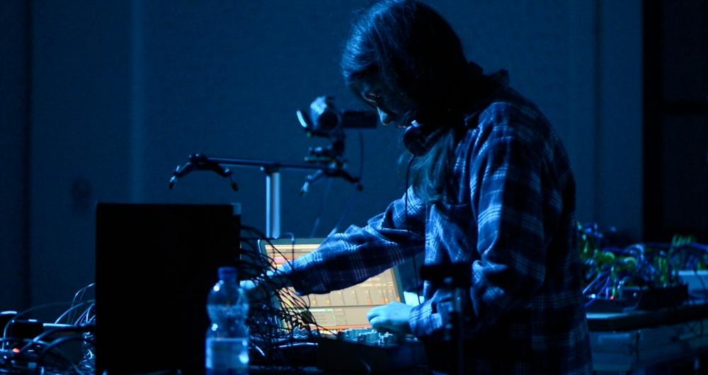Koolmorf Widesen Playing live